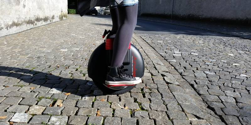 4 Best Self Balancing Unicycle Electric Scooters Reviewed