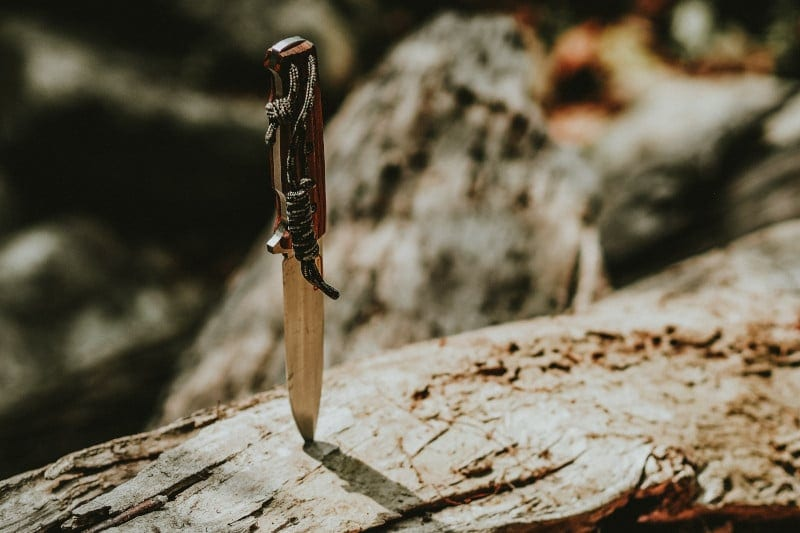 knives for camping and trekking