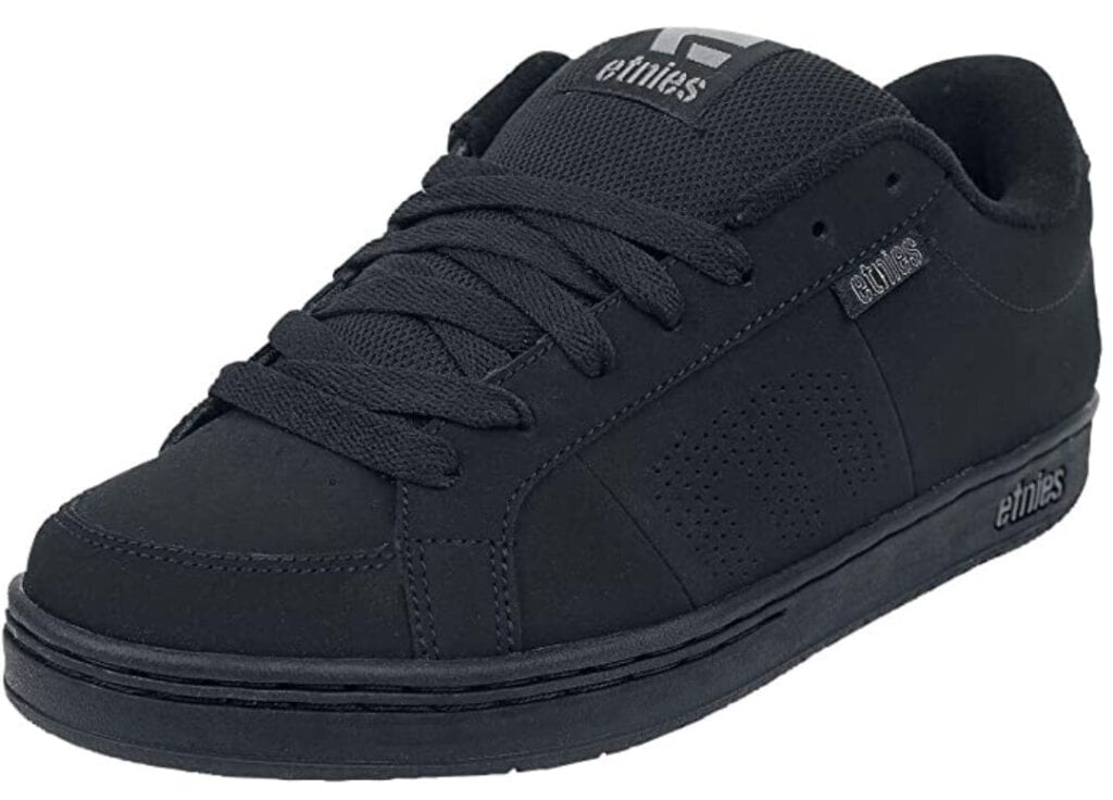 etnies scate shoes
